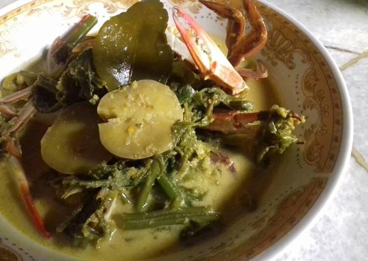Cara mengolah Gulai Paku (Pakis) Kepiting dan Jengkol istimewa