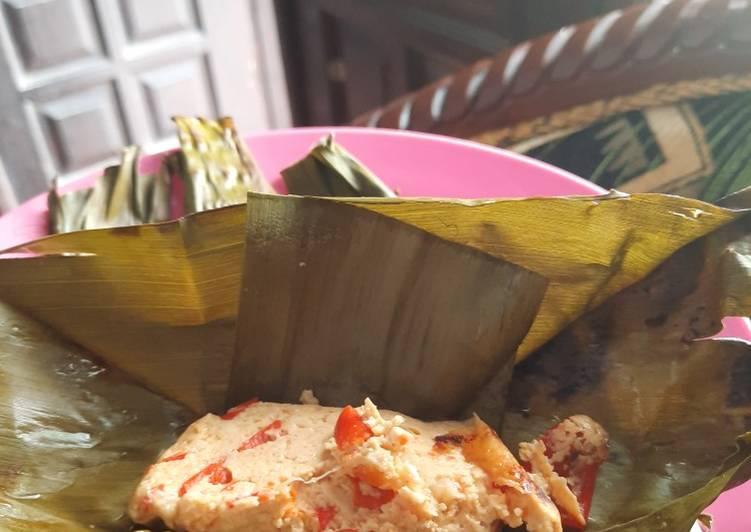 Cara Mudah memasak Pepes tahu pedas (bumbu merah) / pelasan tahu pedas