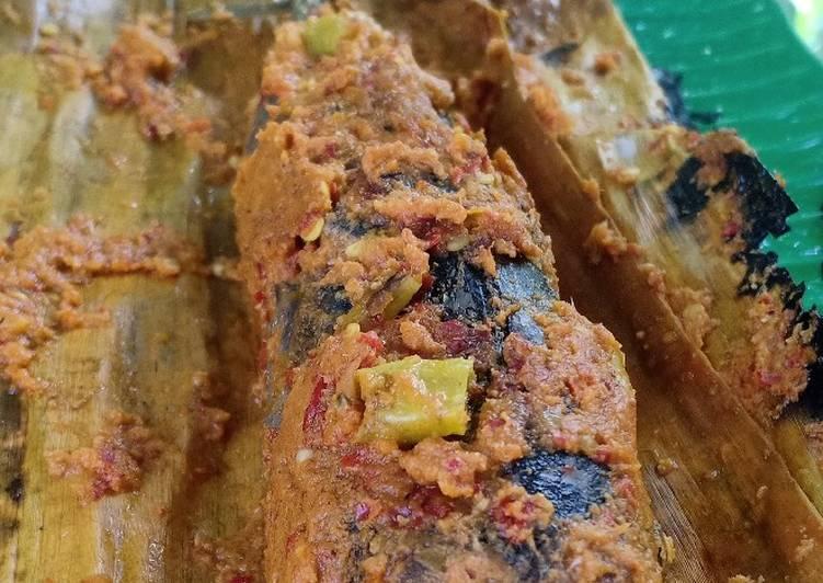 Resep: Pepes ikan tongkol utuh