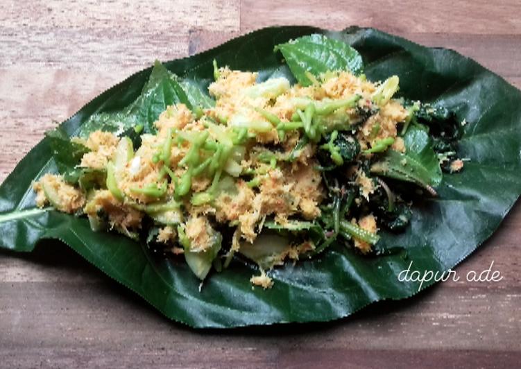 Cara membuat Urap Pait, ternyata enggak | daun mengkudu & bunga pepaya