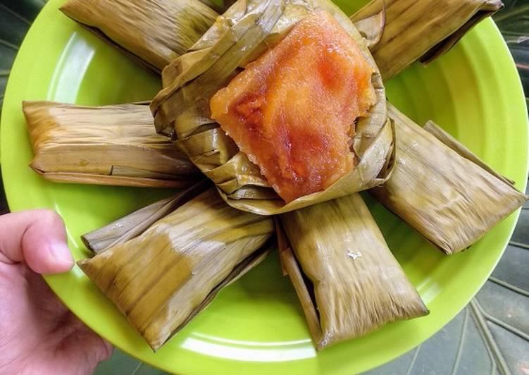Lemet Singkong Isi Keju, Pisang dan Gula Jawa