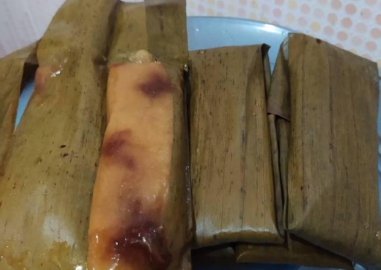 Lemet (singkong isi gula merah)