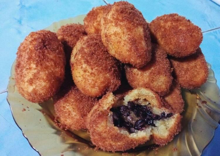 Resep: Jemblem isi tape ketan tabur palm sugar