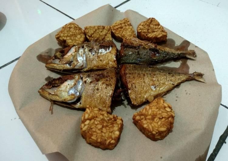 Resep: Ikan dan Tempe Goreng Bumbu Racik Tempe enak