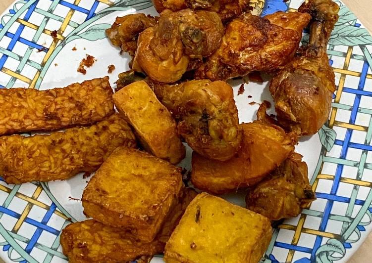 Resep: Ayam tahu tempe goreng lengkuas