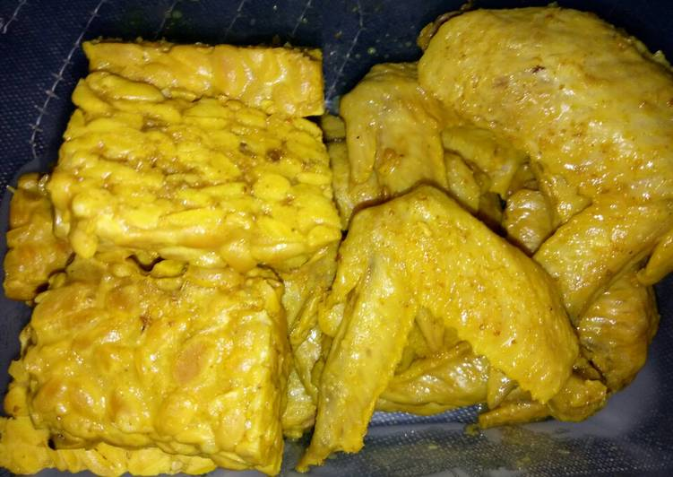 Cara Mudah mengolah Ayam & Tempe Goreng Ungkep Bumbu Kuning ala Anak Kos enak