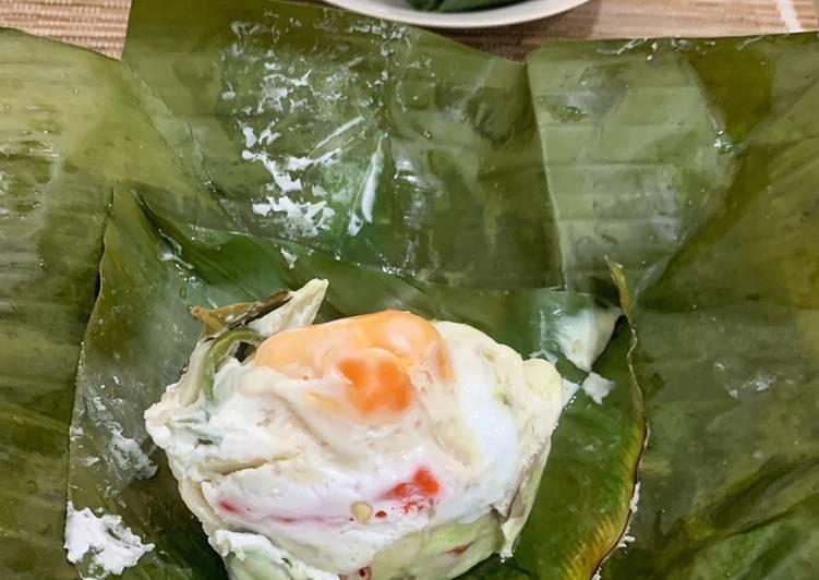 Resep: Pepes / botok telur asin