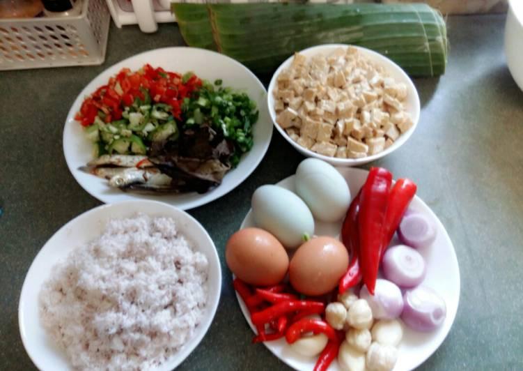 Cara mengolah Botok ikan asin dan telur asin