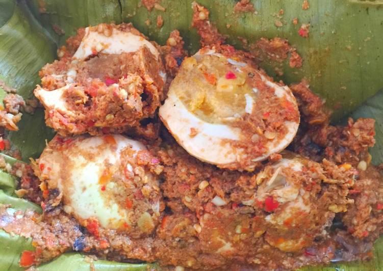 Resep: Botok telur asin super pedas