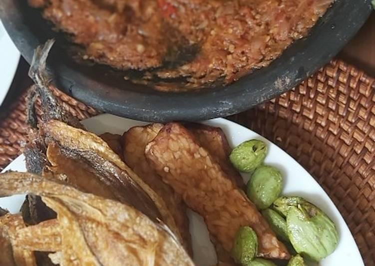 Cara memasak Sambal trasi suroboyo