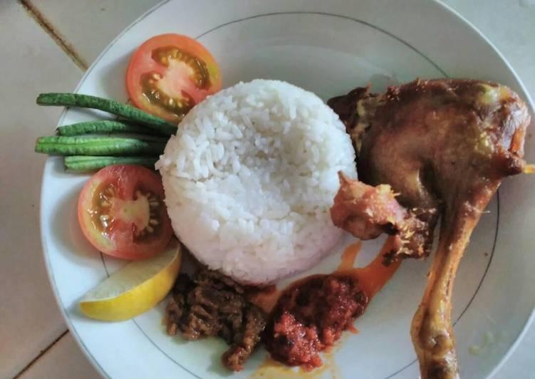 Resep memasak Bebek goreng Surabaya enak