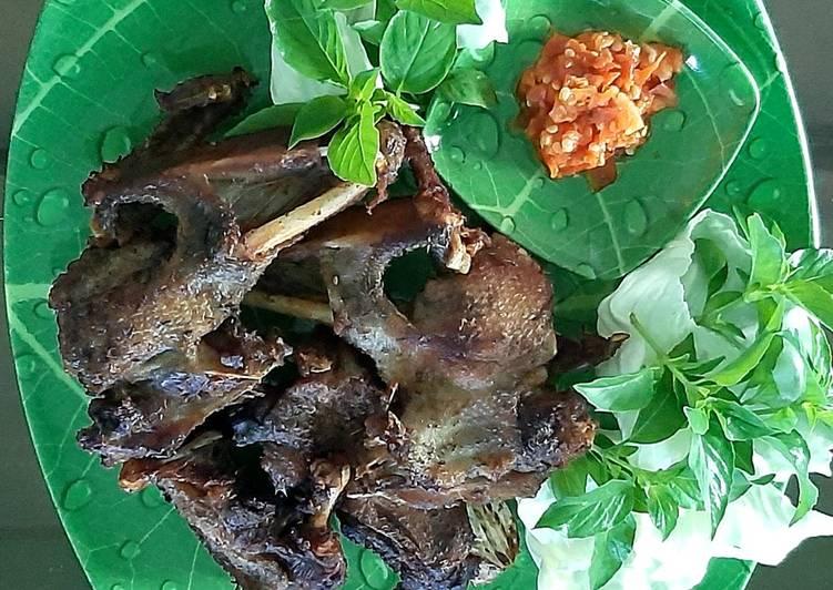 Resep memasak Bebek goreng lengkuas