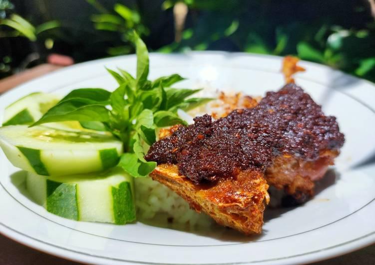 Resep memasak Bebek Goreng Bumbu Hitam ala Chef Muhammad lezat