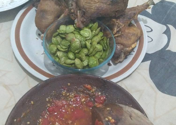 Bebek goreng sambel bawang🦆