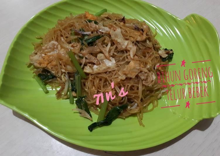Resep: Bihun goreng telur bebek lezat