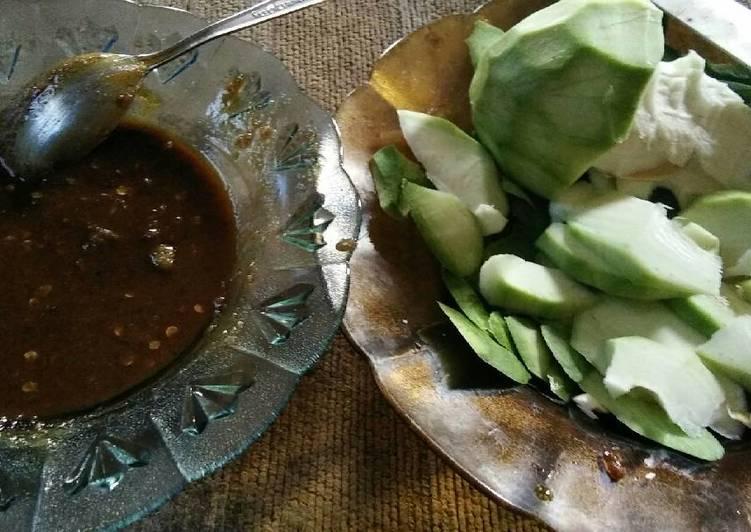 Cara Mudah memasak Rujak mangga bumbu uleg lezat