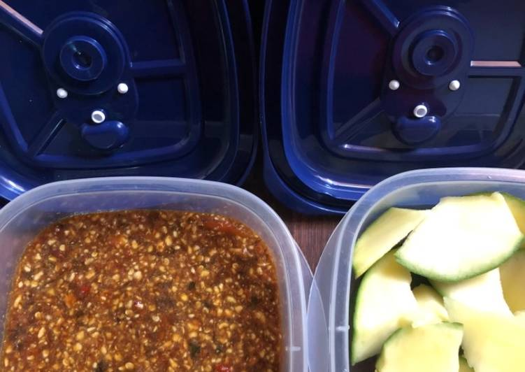 Resep mengolah Rujak mangga +Sambel kacang almond istimewa