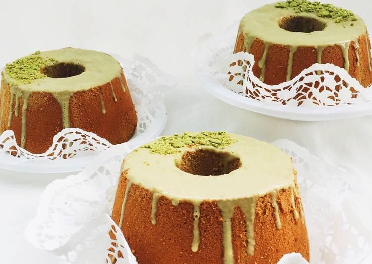Matcha Chiffon Cake (Japanese green tea chiffon cake)