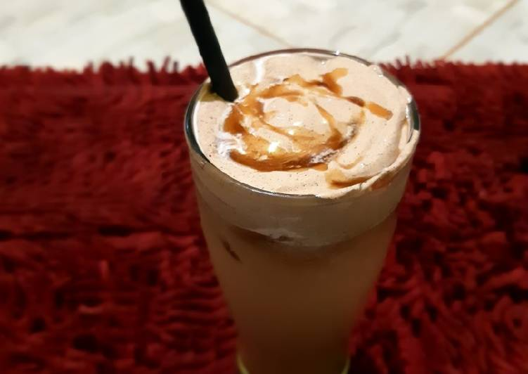 Milk shake tea with brown sugar and dalgona coffe