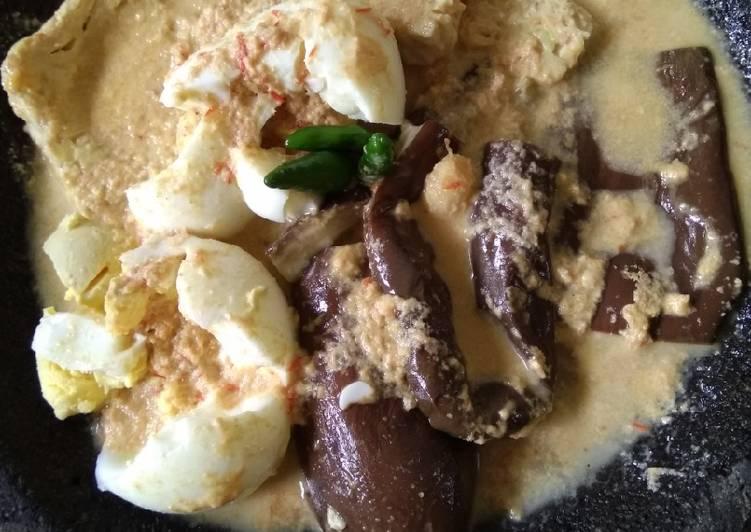 Resep: Pecel telur, terong, tempe bumbu kemiri ala Sidoarjo lezat