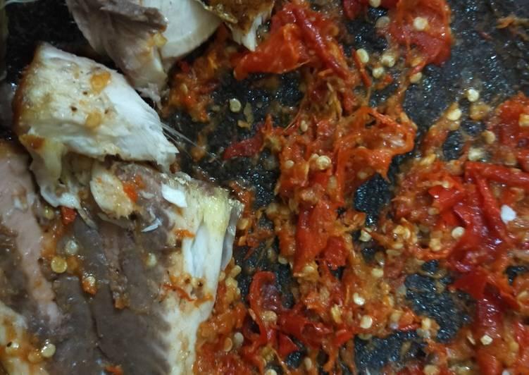 Resep: Bandeng goreng sambal bawang jeruk
