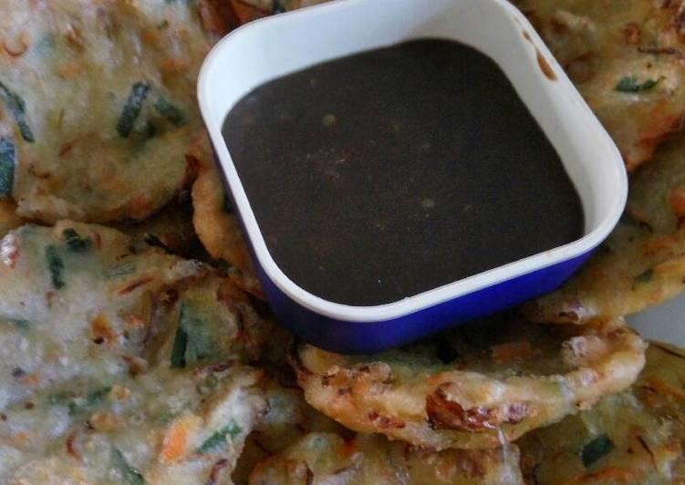 Resep: Bakwan/Weci sayur with Sambel Petis