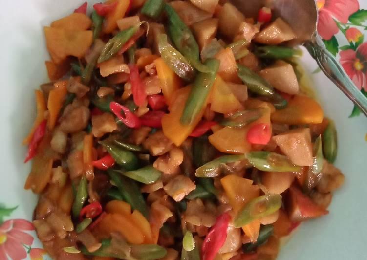 Resep: Oseng buncis, wortel,bakso,tempe kecap