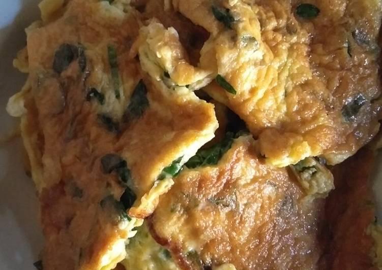 Resep membuat Telur dadar daun kelor