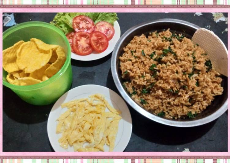 Cara Mudah membuat Nasi goreng daun kelor enak