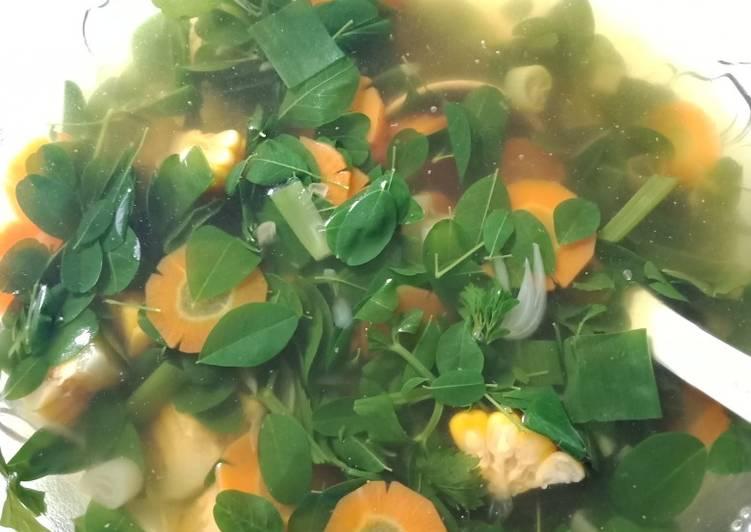 Cara mengolah Sayur bening daun kelor
