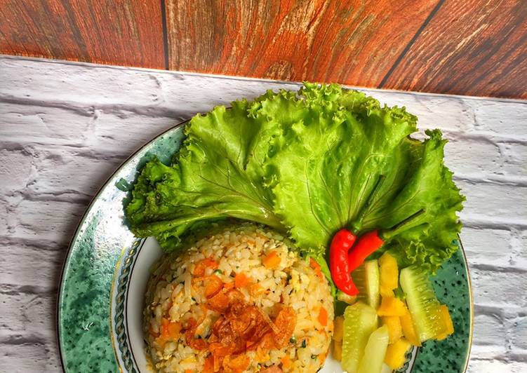 Resep membuat Nasi goreng daun kelor enak