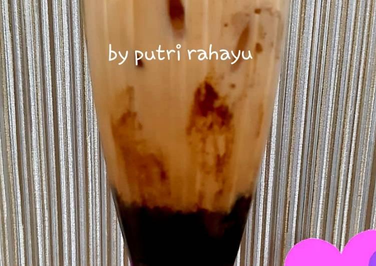 Iced thai tea with boba brown sugar