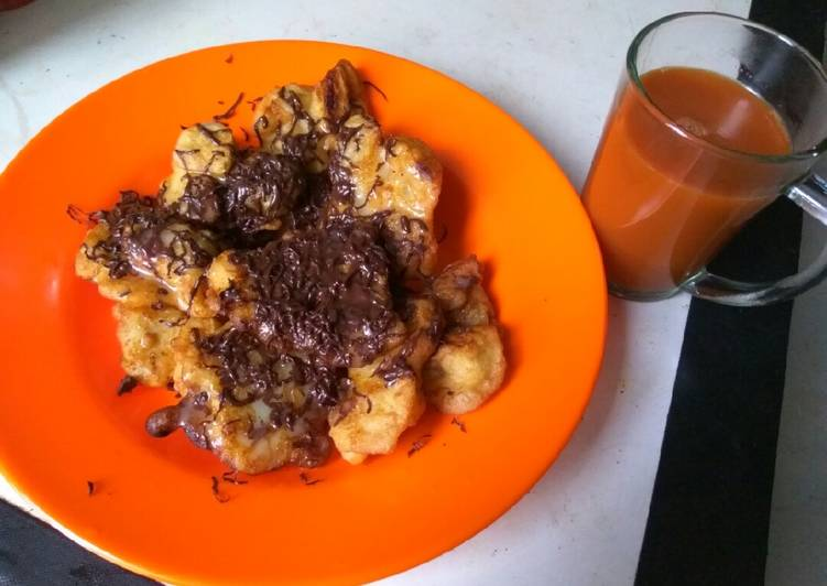 Resep membuat Hot Thai tea +pisgor topping coklat