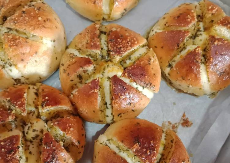 Korean Garlic n cream cheese bread