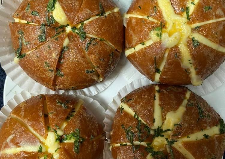 Cara Mudah membuat Korean Garlic cream cheese bread enak