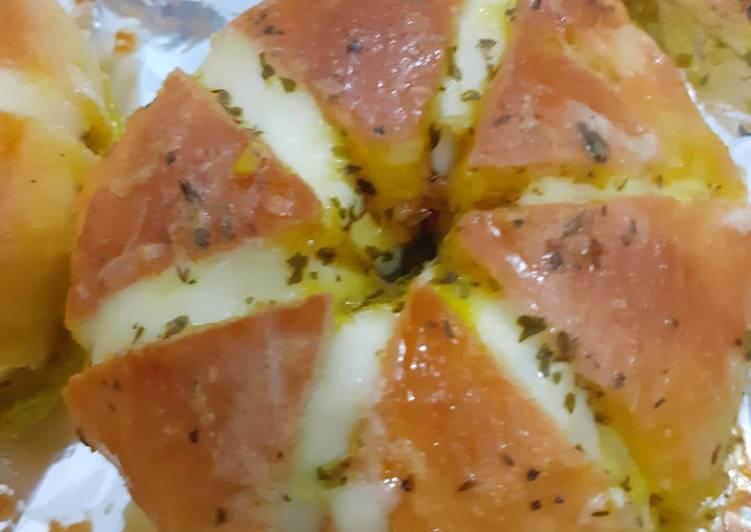Resep: Korean garlic cheese bread(dg keju cheddar)