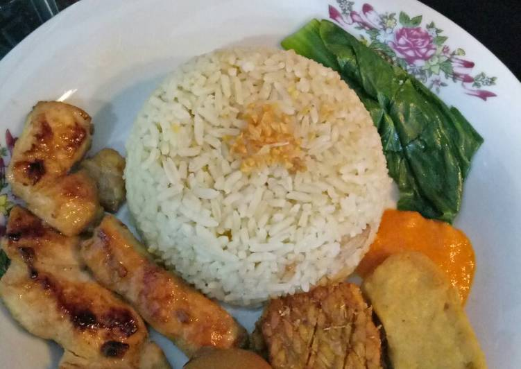Resep: Hainam chicken rice lezat