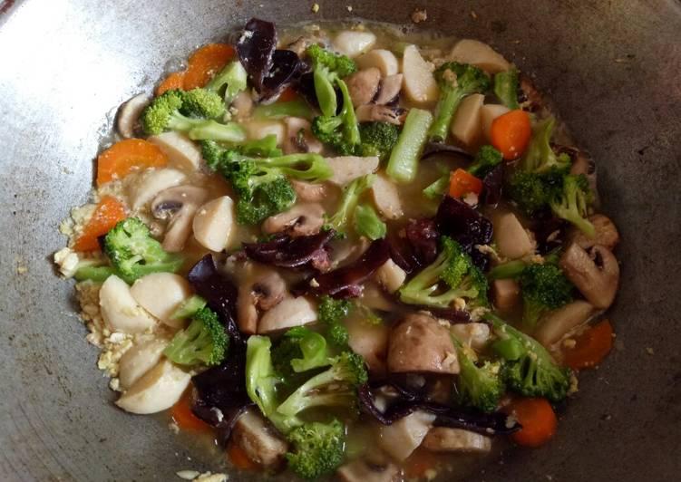 Cap cay jamur seafood