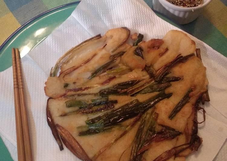 Cara Mudah membuat Pajeon (pancake daun bawang korea)