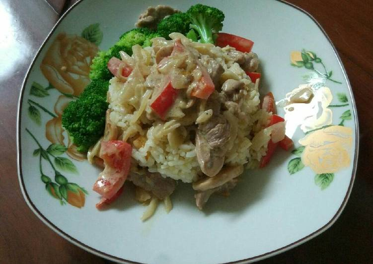 Resep: Beef stroganoff dan butter rice lezat