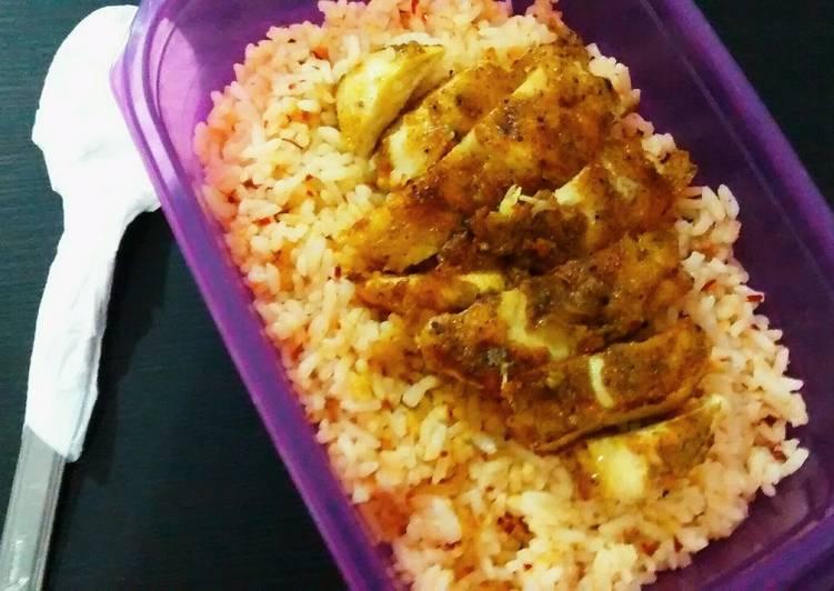 Cara memasak Spicy Butter Rice with Chicken Curry praktis 20 menit saja lezat