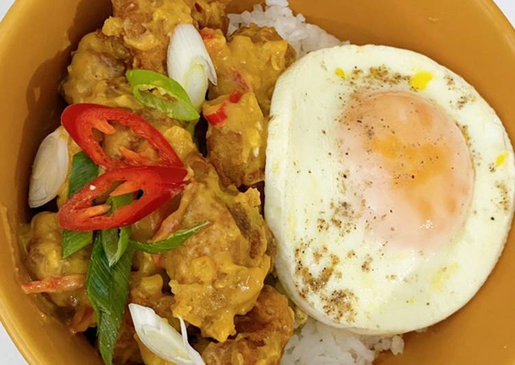 Resep membuat Chicken salted egg rice bowl