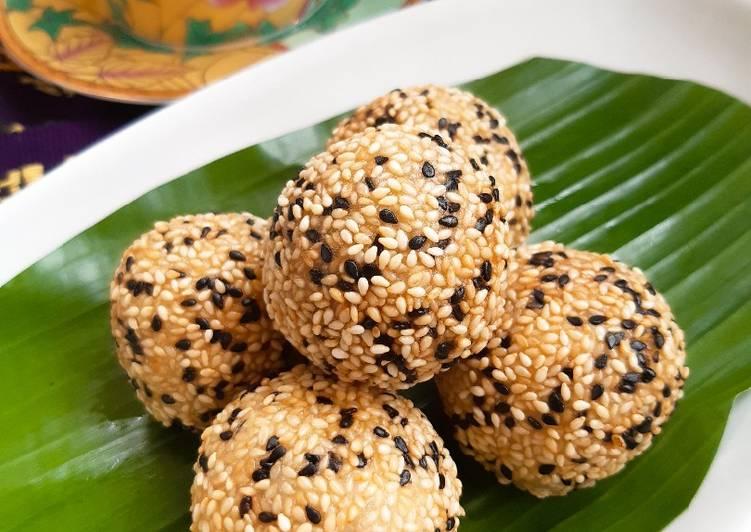 Cara Mudah mengolah Onde-onde isi ubi ungu (Recook Fitri Sasmaya)