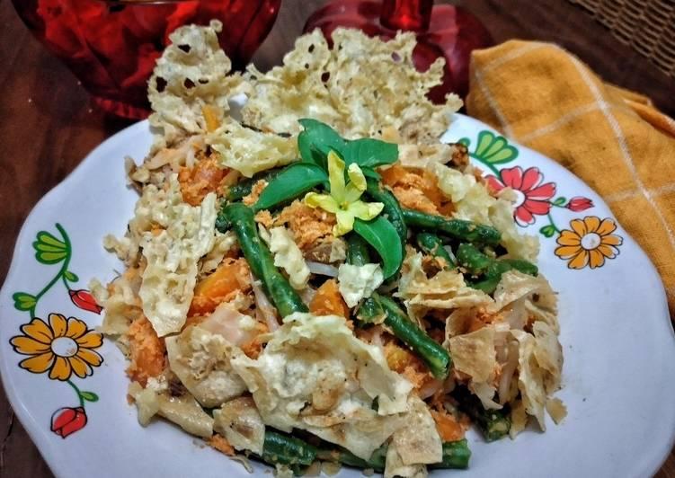 Resep: Urap sayur rempeyek rebon lezat