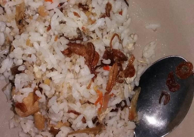 Resep membuat Nasi goreng tiwul teri tahu