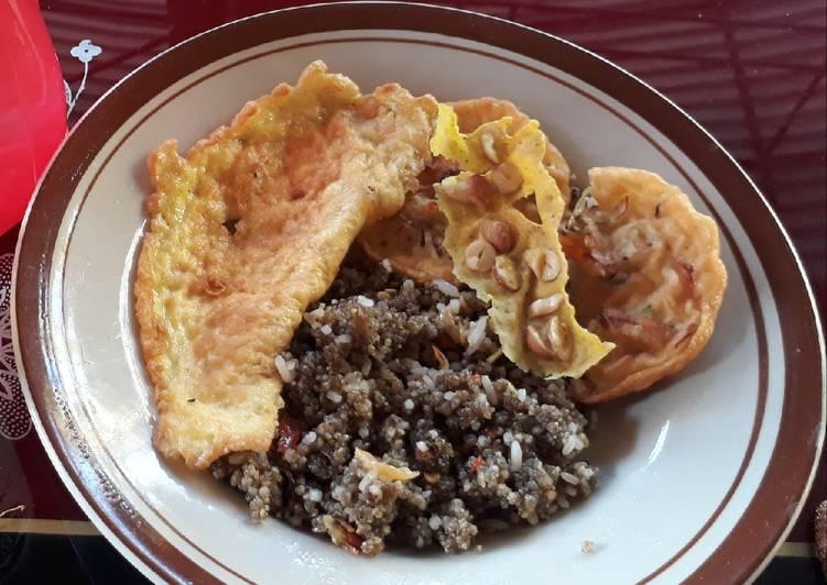 Resep: Nasi goreng tiwul ala wong ndeso 😂 lezat