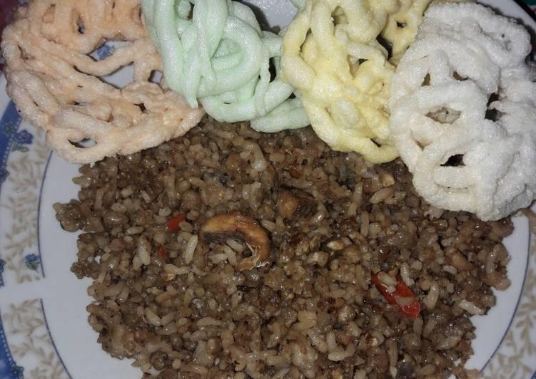 Nasi tiwul goreng ikan asin pedas