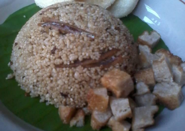 Cara Mudah membuat Nasi tiwul goreng teri lezat