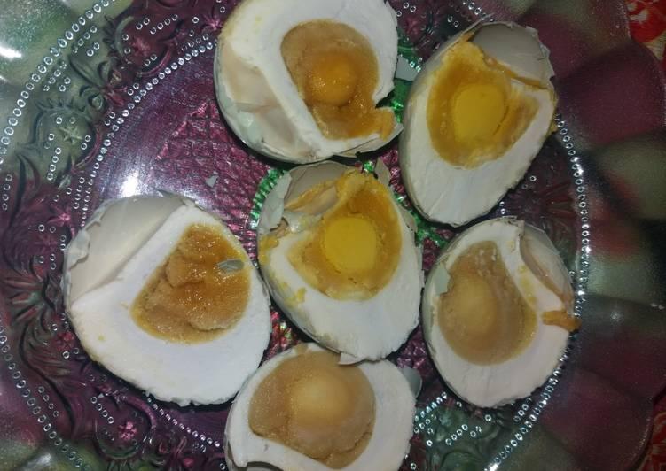 Cara Mudah mengolah Telur asin bawang istimewa