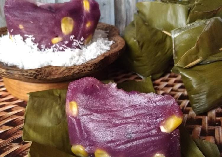 Resep membuat Leupeut Ungu *singkong- ubi ungu-jagung manis lezat